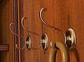 Настенные крючки и вешалки для одежды
