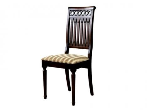 коричневый обеденный стул с мягким сиденьем