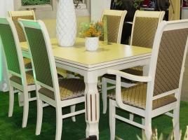 высокий белый стул с золотой патиной