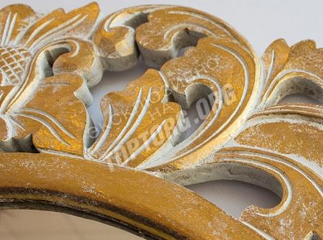 зеркало в раме круглое, цвет золото с белой патиной