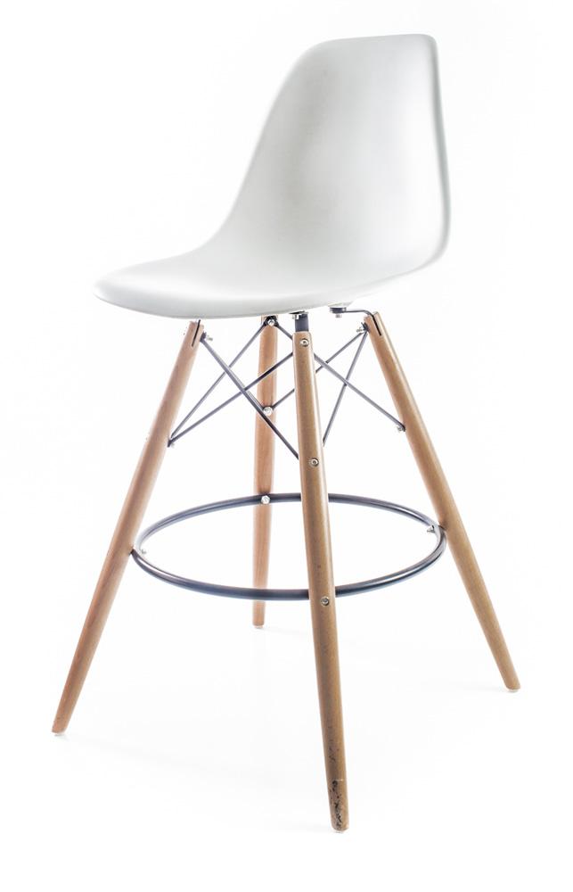 белый барный дизайнерский стул Eames DSW