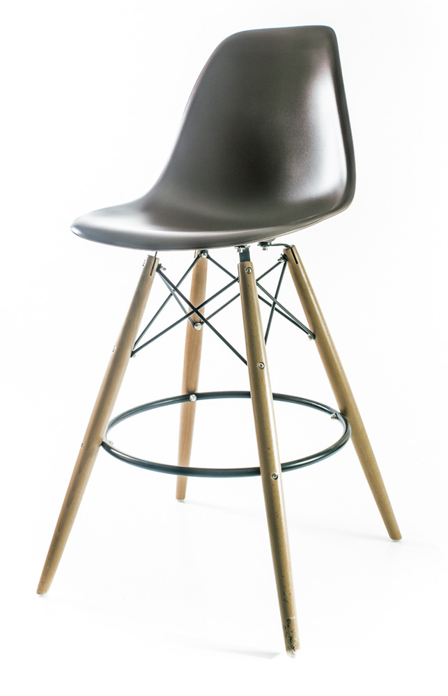 коричневый барный дизайнерский стул Eames DSW