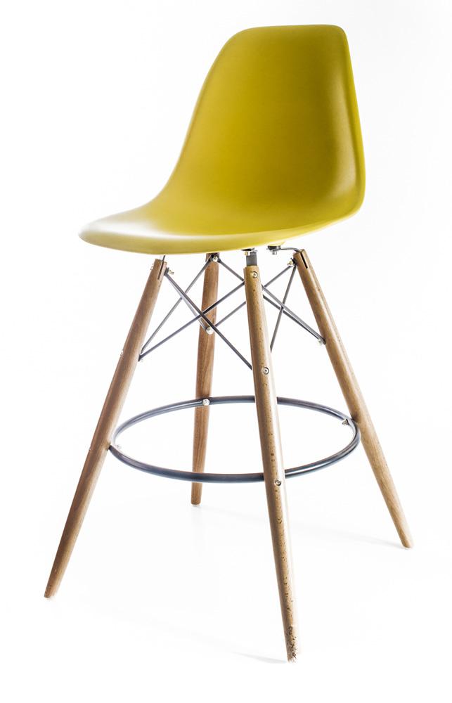 жёлто-оливковый барный дизайнерский стул Eames DSW