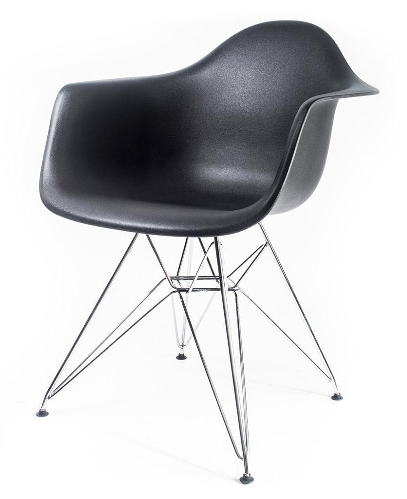 чёрный дизайнерский стул Eames DAR