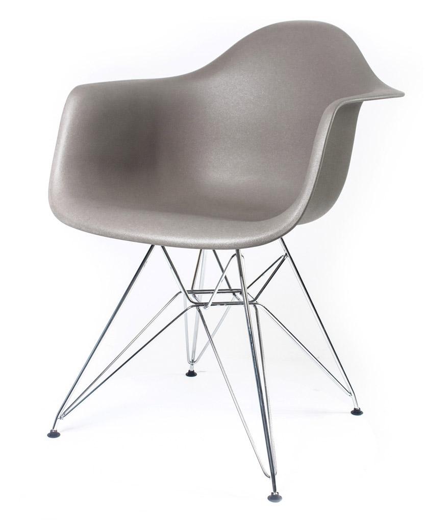 серый дизайнерский стул Eames DAR