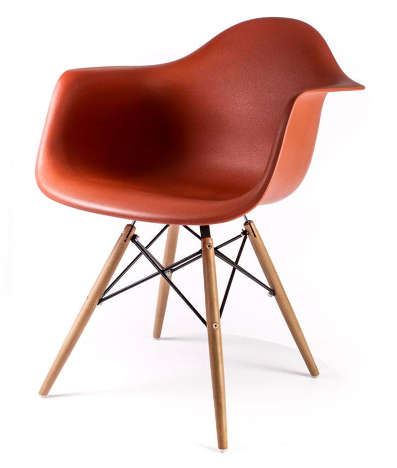 дизайнерский стул Eames DAW оранжевого цвета