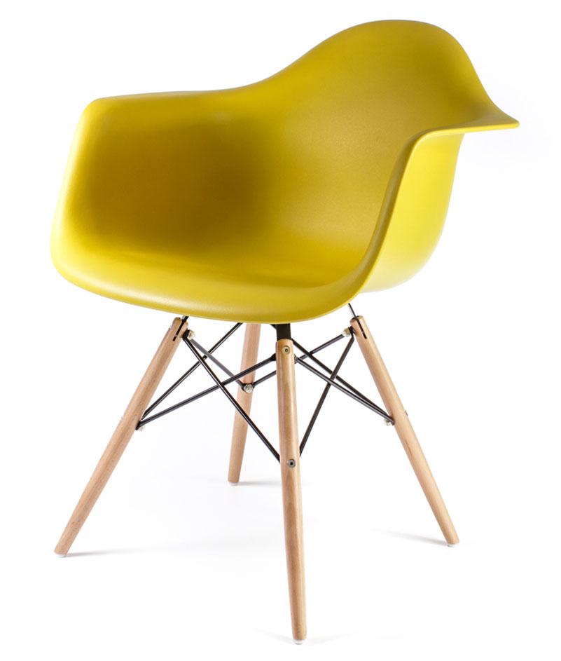 жёлто-оливковый дизайнерский стул Eames DAW